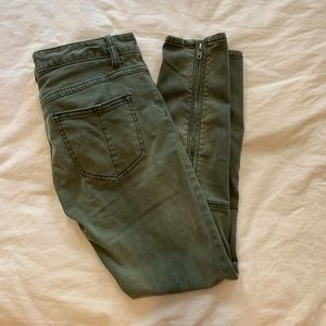 Free people green velvet cropped pants